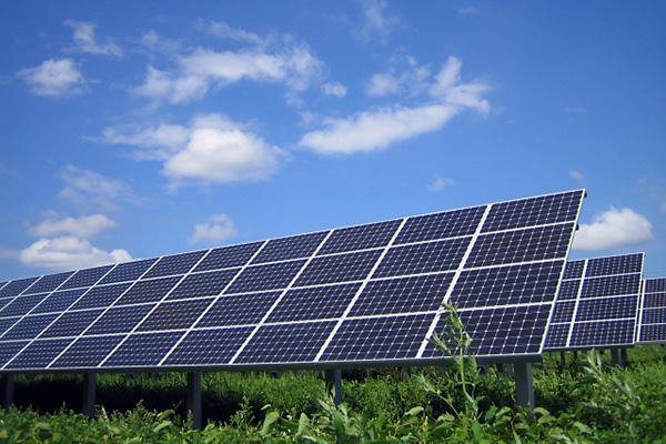 「野立て」太陽光発電