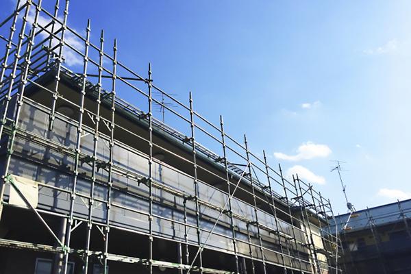 アパートの建て替えを判断する基準とは?築年数や劣化度から適切な時期や費用を確認