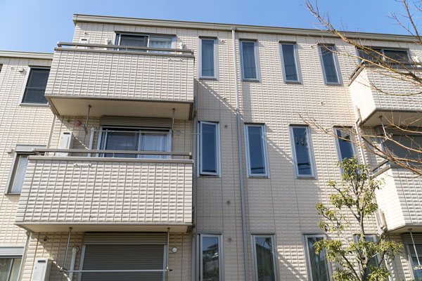 3階建てアパートの建築費はいくら?追加費用や賢い建て方を伝授