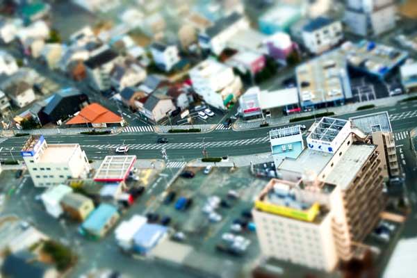 事業用定期借地権の活用例 街のミニチュア風イメージ